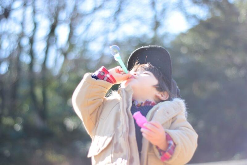 子供とシャボン玉