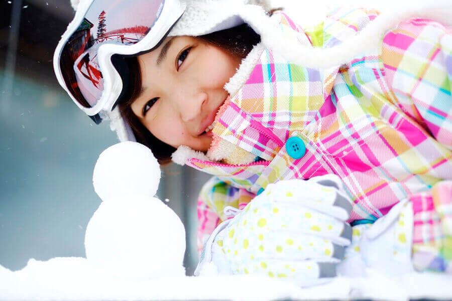 スキーの女性